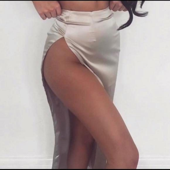 Open Legs Skirt